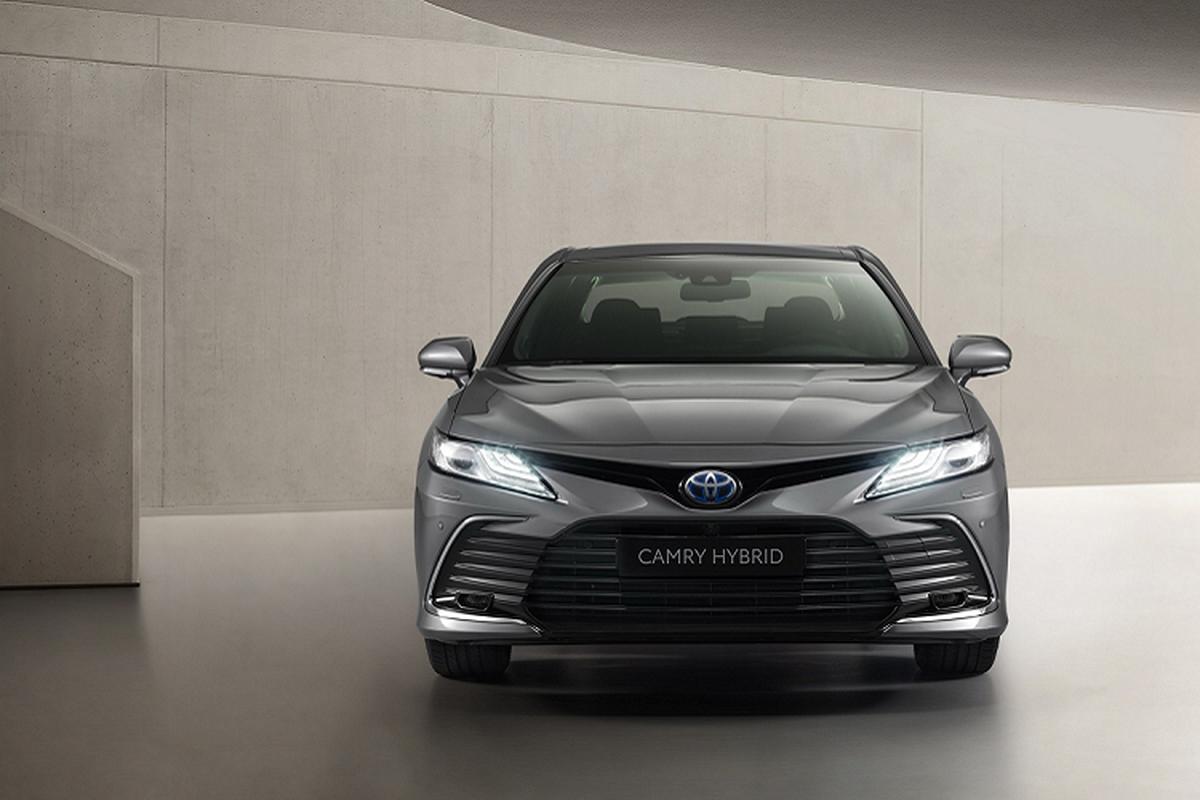 Toyota Camry Hybrid 2021 nang cap cong nghe, chao chau Au-Hinh-2