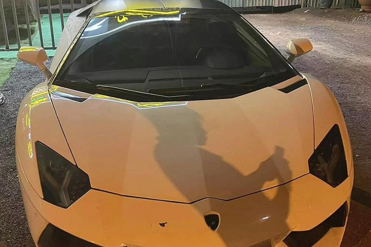 Lamborghini Aventador Roadster hon 37 ty cua dai gia Binh Phuoc?