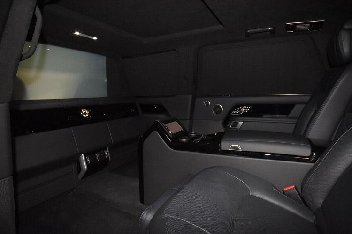 Ra mat Range Rover SVAutobiography Limo boc thep, hon 30 ty dong-Hinh-6
