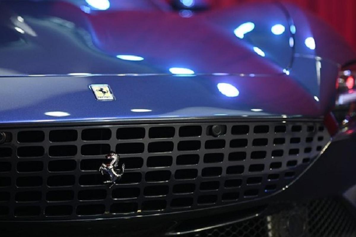 Ferrari Roma dau tien ra bien so Thai Lan, dai gia Viet phat them-Hinh-6