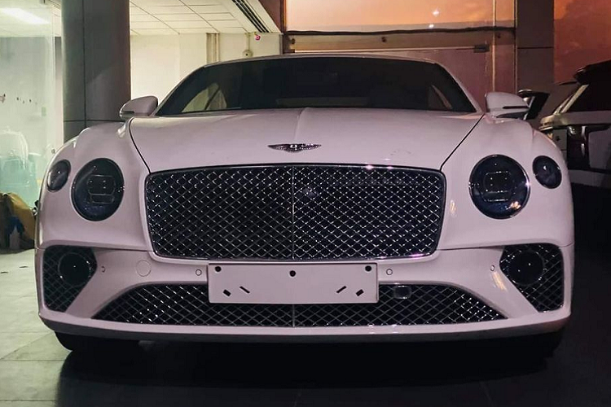 Bentley Continental GT V8 ky niem 100 nam hon 20 ty tai Ha Noi