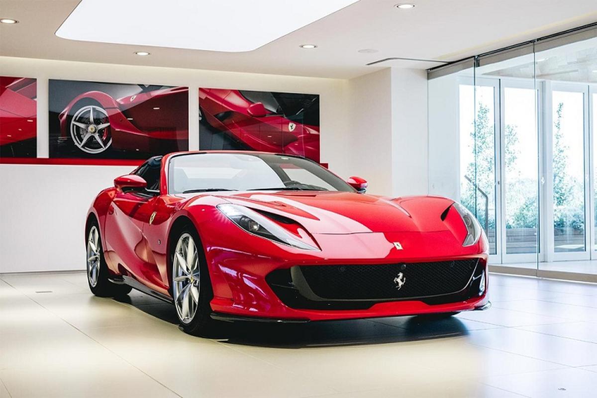 Sieu xe Ferrari 812 GTS mui tran, trieu do sap ve Viet Nam?-Hinh-2