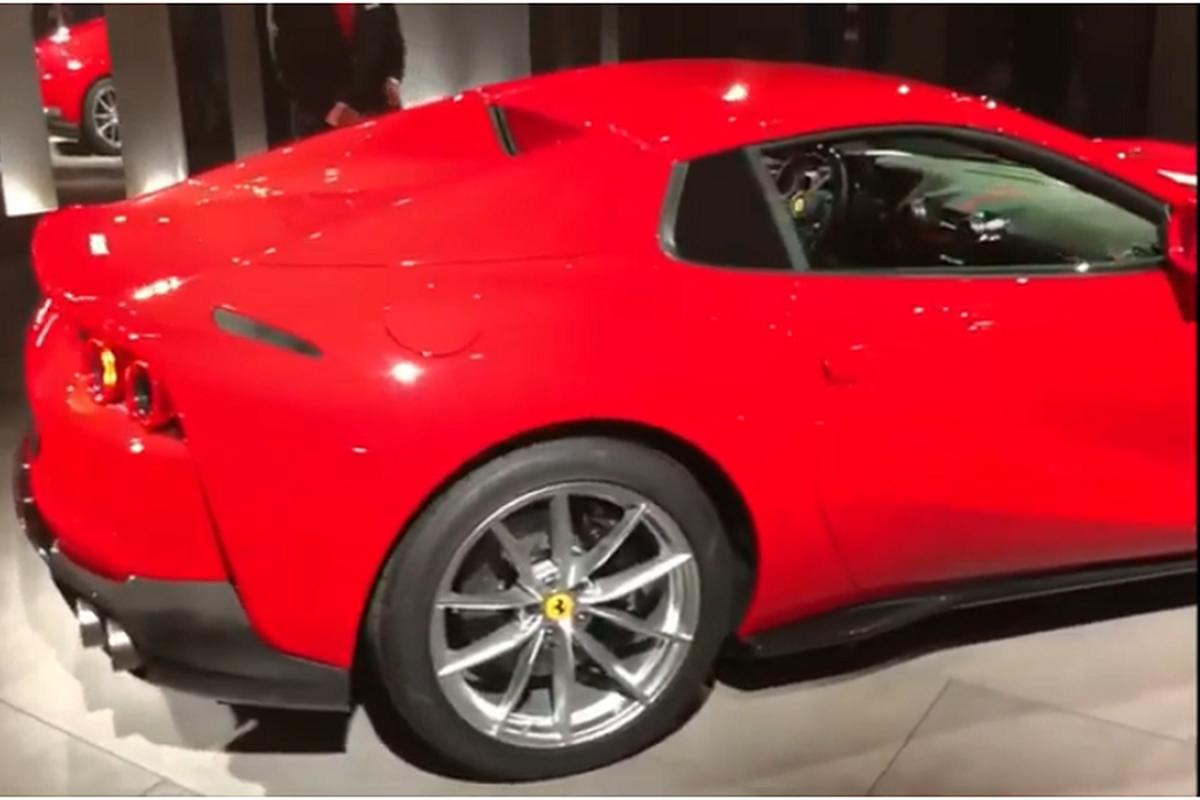 Sieu xe Ferrari 812 GTS mui tran, trieu do sap ve Viet Nam?-Hinh-5