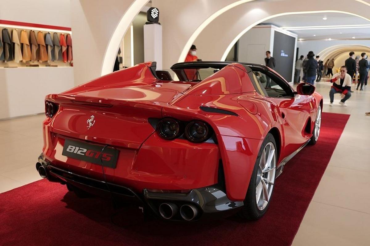 Sieu xe Ferrari 812 GTS mui tran, trieu do sap ve Viet Nam?-Hinh-7