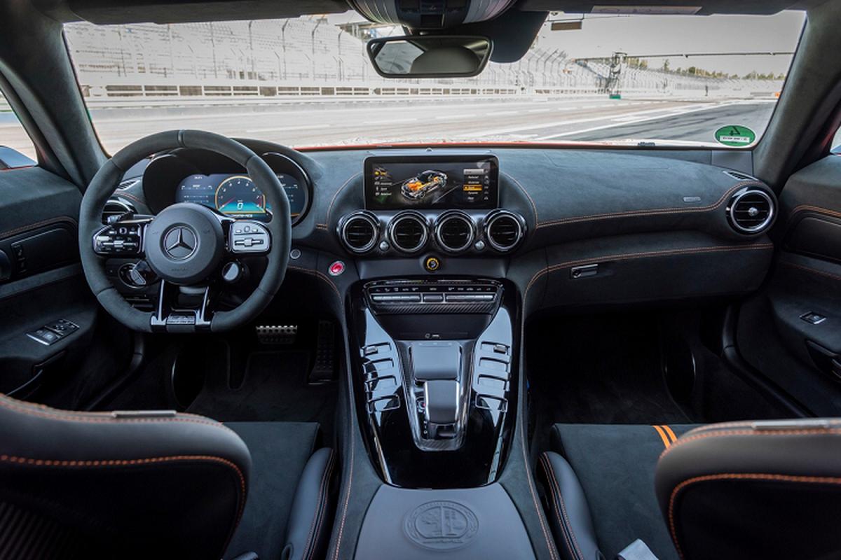 Mercedes-AMG GT Black Series tu 7,5 ty dong tai My-Hinh-7