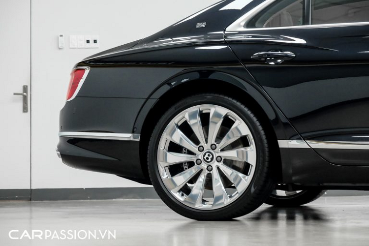 Can canh Bentley Flying Spur First Edition gan 30 ty o Sai Gon-Hinh-4