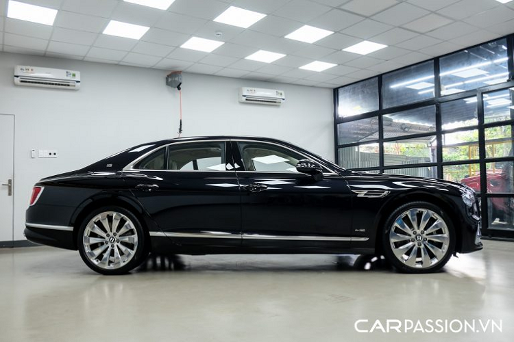 Can canh Bentley Flying Spur First Edition gan 30 ty o Sai Gon-Hinh-6