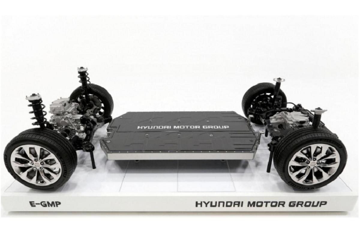 Hyundai trinh lang he thong khung gam cho 23 mau oto dien moi