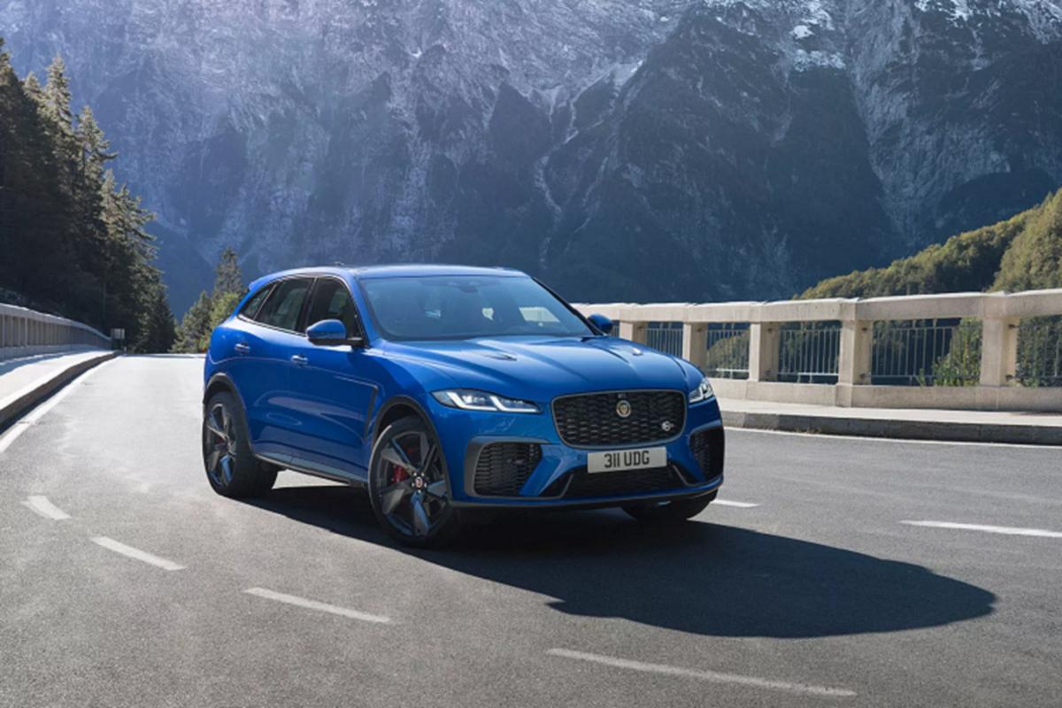 Chi tiet Jaguar F-Pace SVR 2021, them hieu suat va pha cach-Hinh-2
