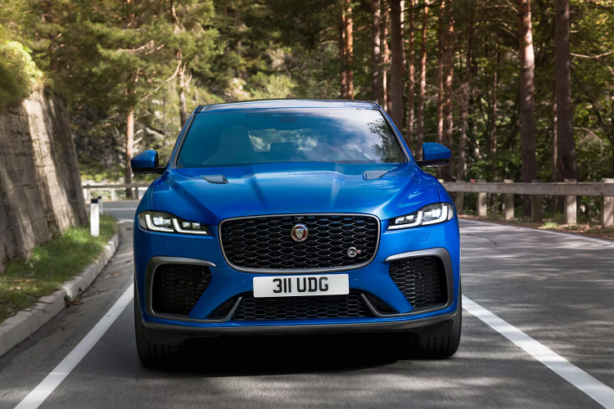 Chi tiet Jaguar F-Pace SVR 2021, them hieu suat va pha cach