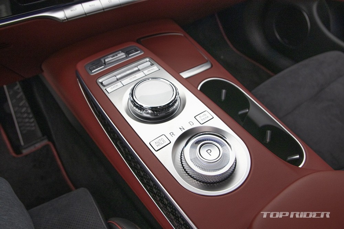 "Genesis GV70 2021 moi ""ra lo"", dau Mercedes-Benz GLE va BMW X5-Hinh-9"