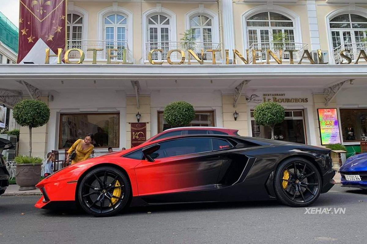 """Sieu xe Lamborghini Aventador hon 20 ty """"nhuom ombre"""" o Sai Gon"""