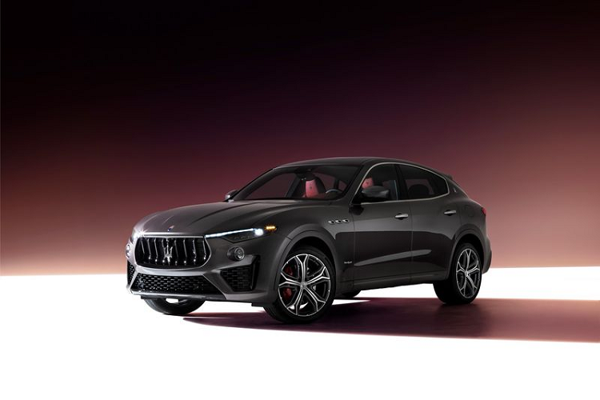 Maserati 2021 nang cap toan dien, man hinh trung tam to khong lo