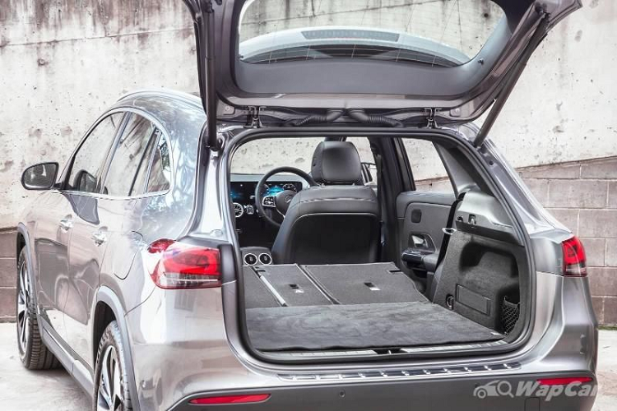 Mercedes-Benz GLA 2021 sap ra mat, se dat hon doi thu BMW X1?-Hinh-8