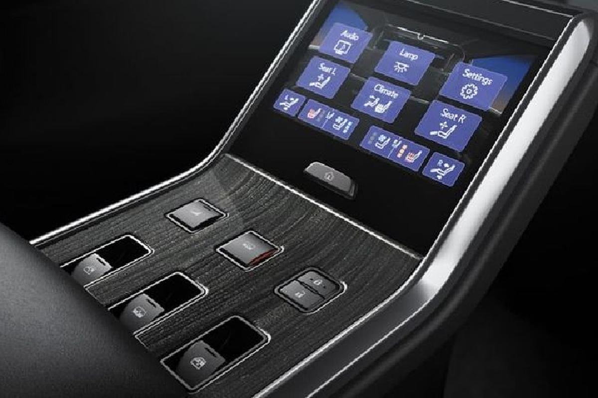 MPV hang sang Lexus LM 350 tu 6,5 ty dong tai Malaysia-Hinh-7