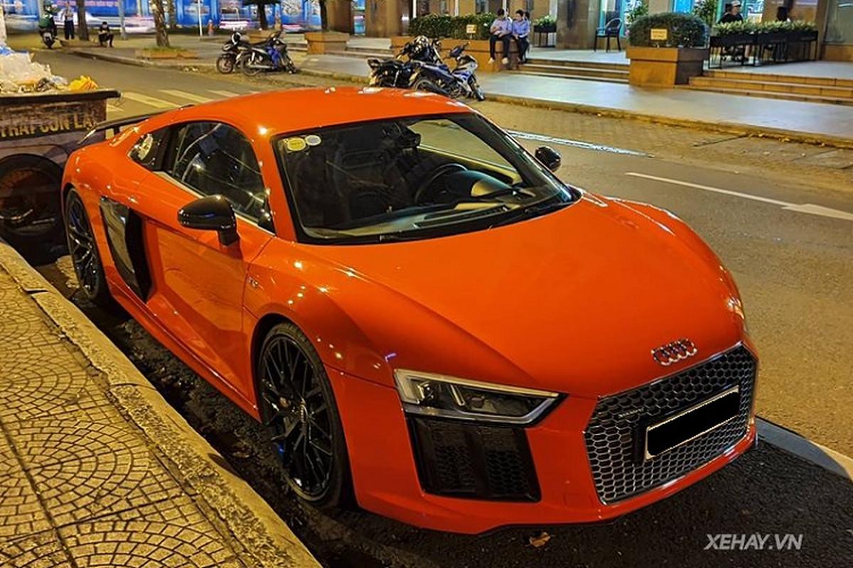 """Sieu xe Audi R8 V10 Plus """"tai xuat"""" cung chu nhan tai Sai Gon"""