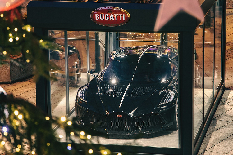 Bugatti trung bay La Voiture Noire hon 310 ty dong don giang sinh-Hinh-7