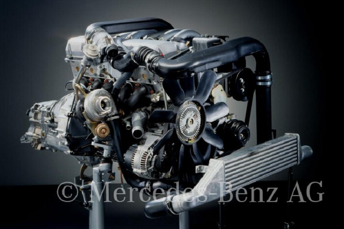 Chi tiet Mercedes-Benz G-Class 24 tuoi,