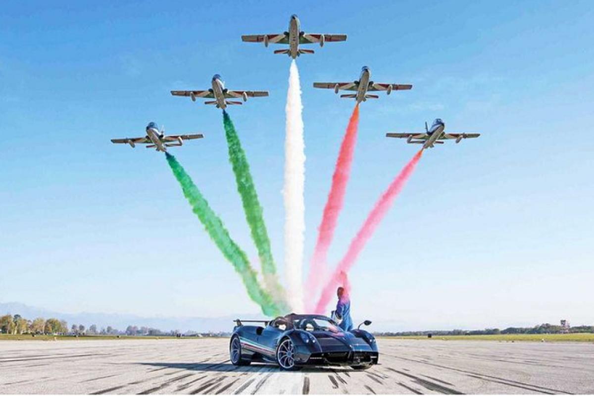 """""""Than gio"""" Pagani Huayra Tricolore gioi han 3 xe, hon 154 ty dong-Hinh-3"""