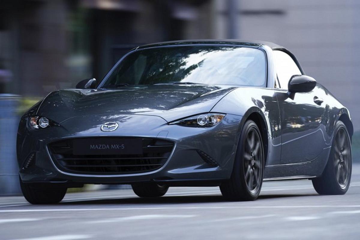 Mazda MX-5 Miata 2021 tu 26.380 USD, nang cap nhung gi?