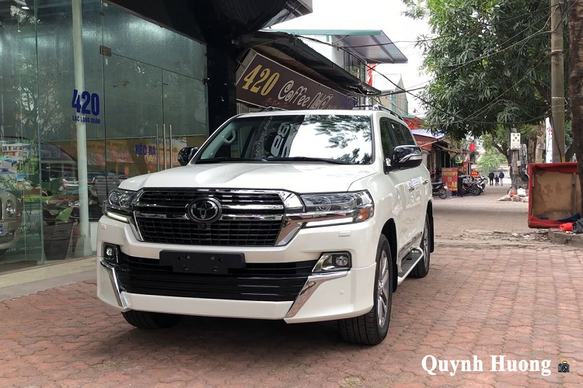 Toyota Land Cruiser VXS Executive Lounge gan 7 ty ve Viet Nam