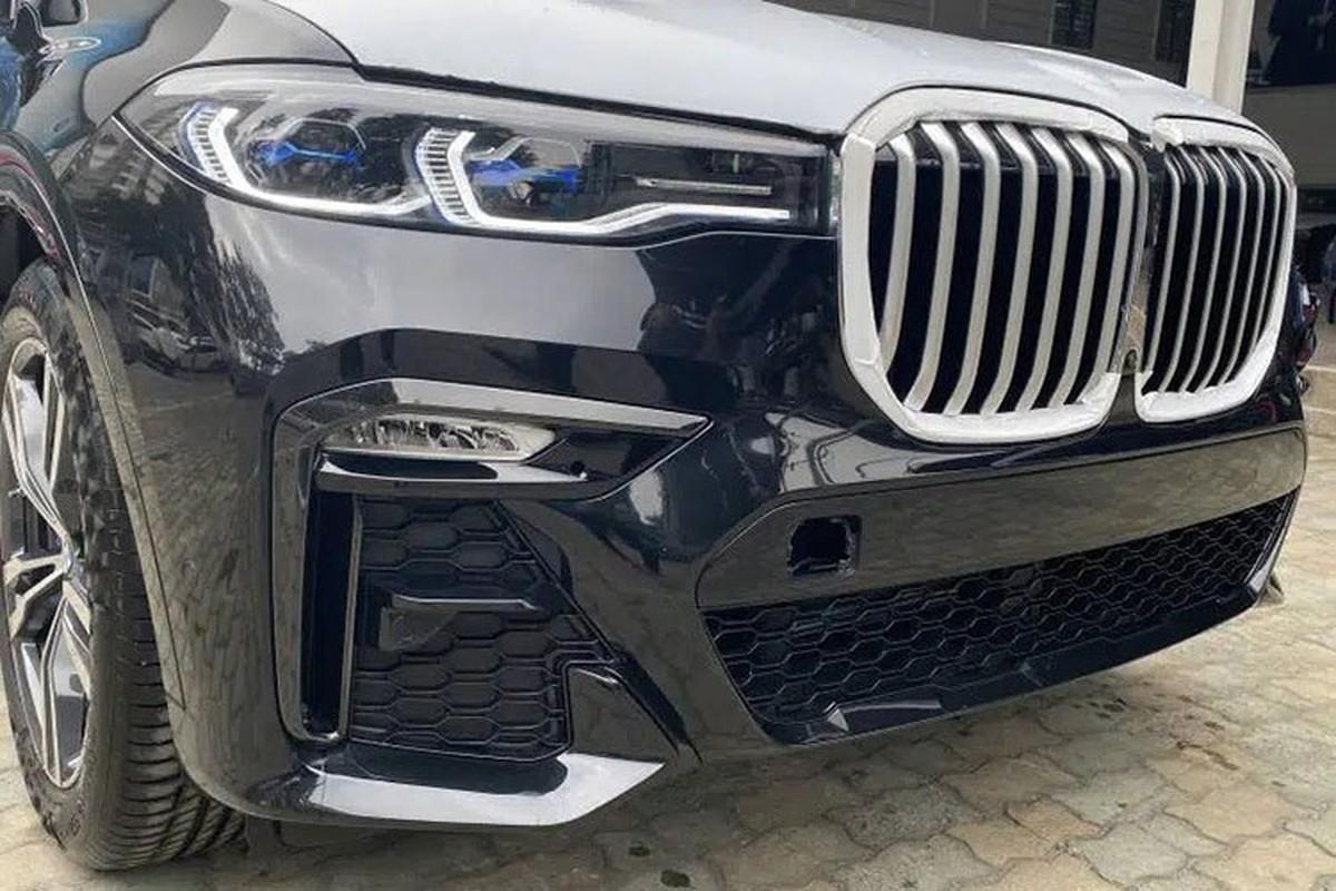 BMW X7 M Sport chinh hang ve Viet Nam re toi 1 ty dong-Hinh-3