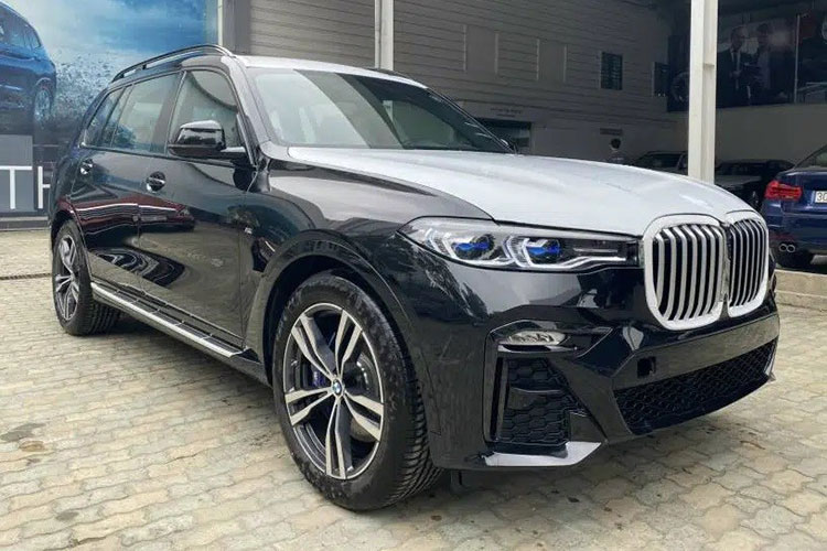 BMW X7 M Sport chinh hang ve Viet Nam re toi 1 ty dong