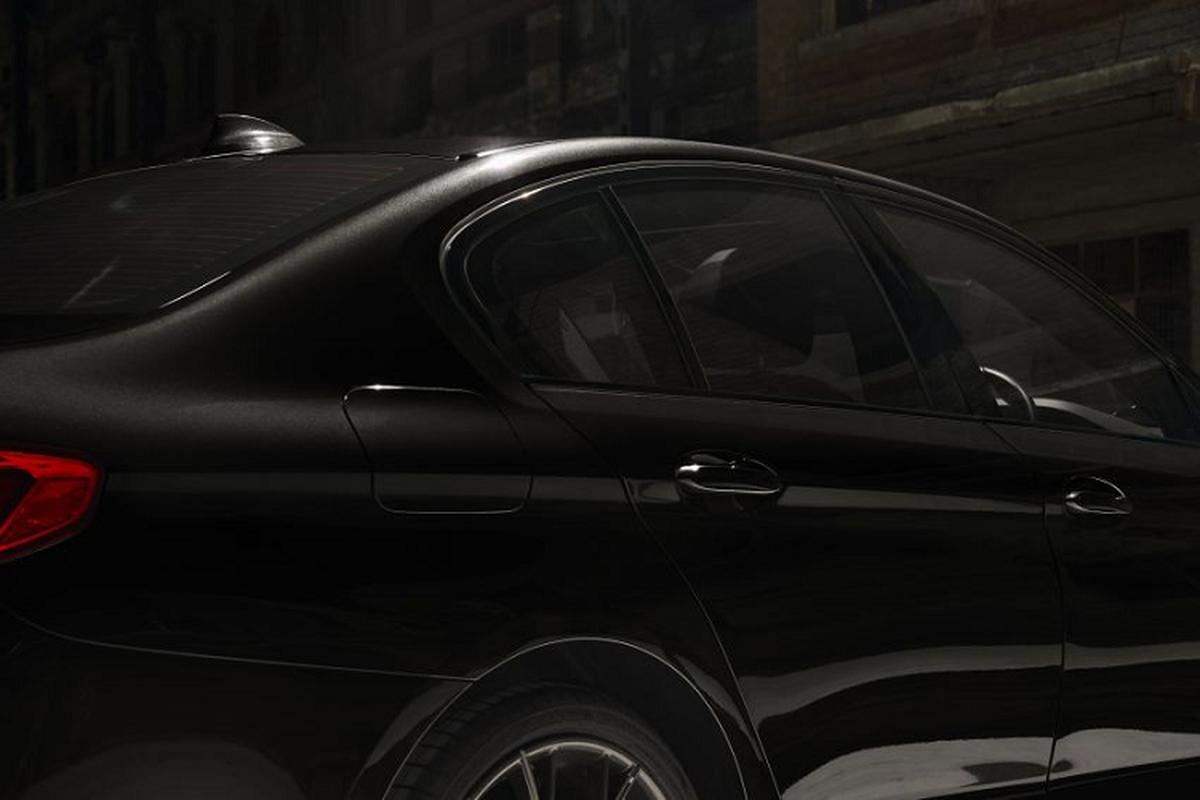 Chi tiet BMW 530i M Sport Dark Shadow Edition gan 97.000 USD-Hinh-4