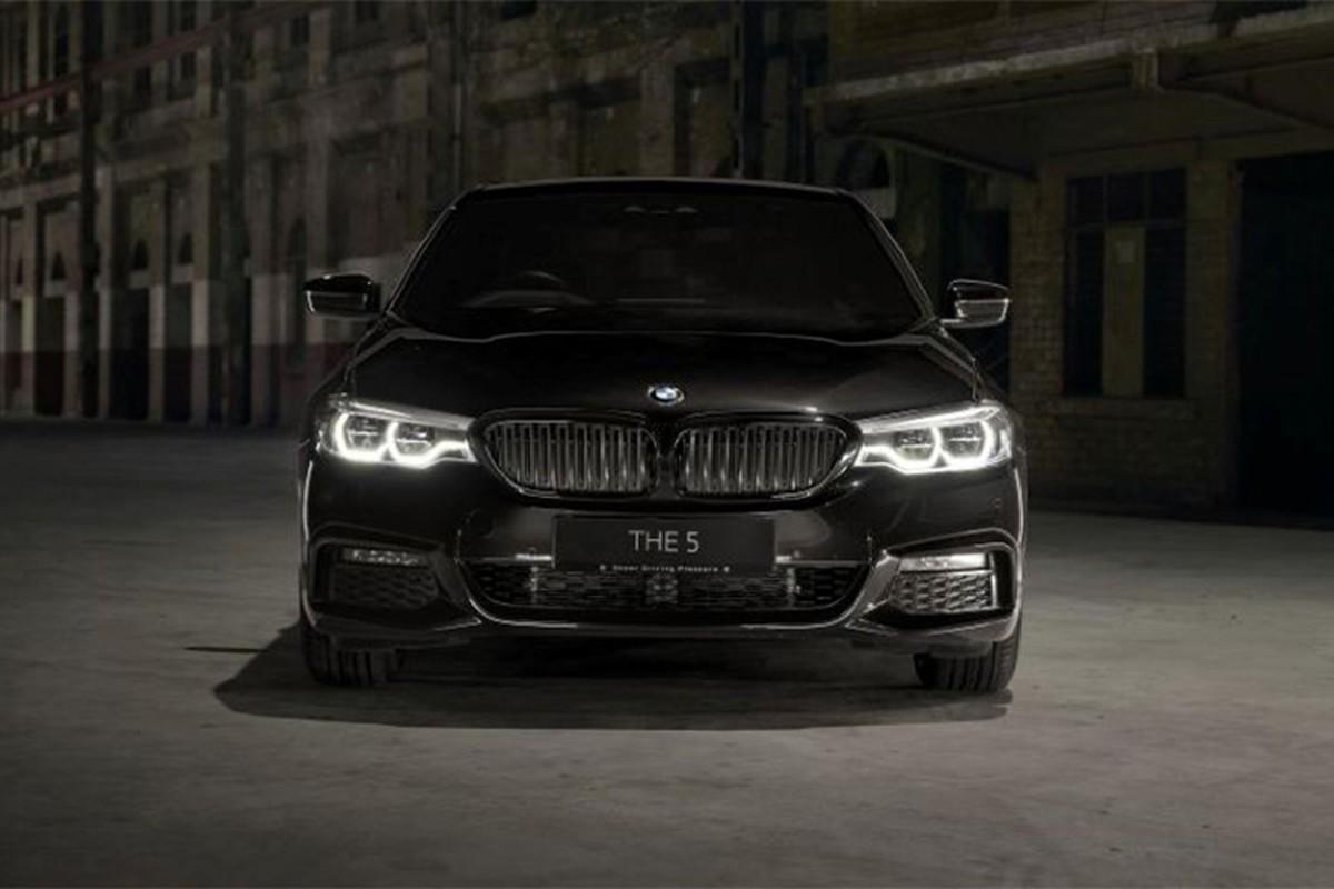 Chi tiet BMW 530i M Sport Dark Shadow Edition gan 97.000 USD
