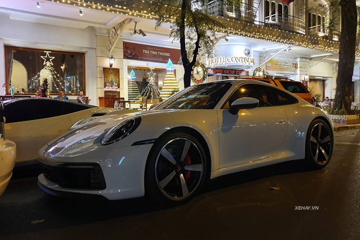 Ferrari 488 GTB va Porsche 911 chuc ty khoe dang o Sai Gon-Hinh-7