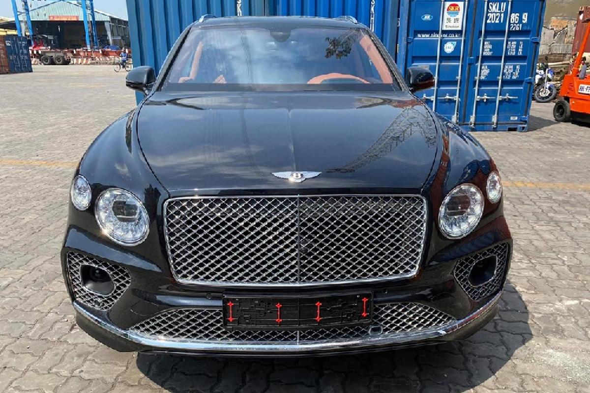 """Bentley Bentayga V8 2021 cả chục tỷ đồng """"cập bến"""" Việt Nam"""