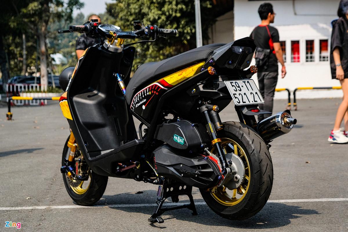 Dan choi Sai Gon do xe ga Yamaha BWS hon 200 trieu-Hinh-2