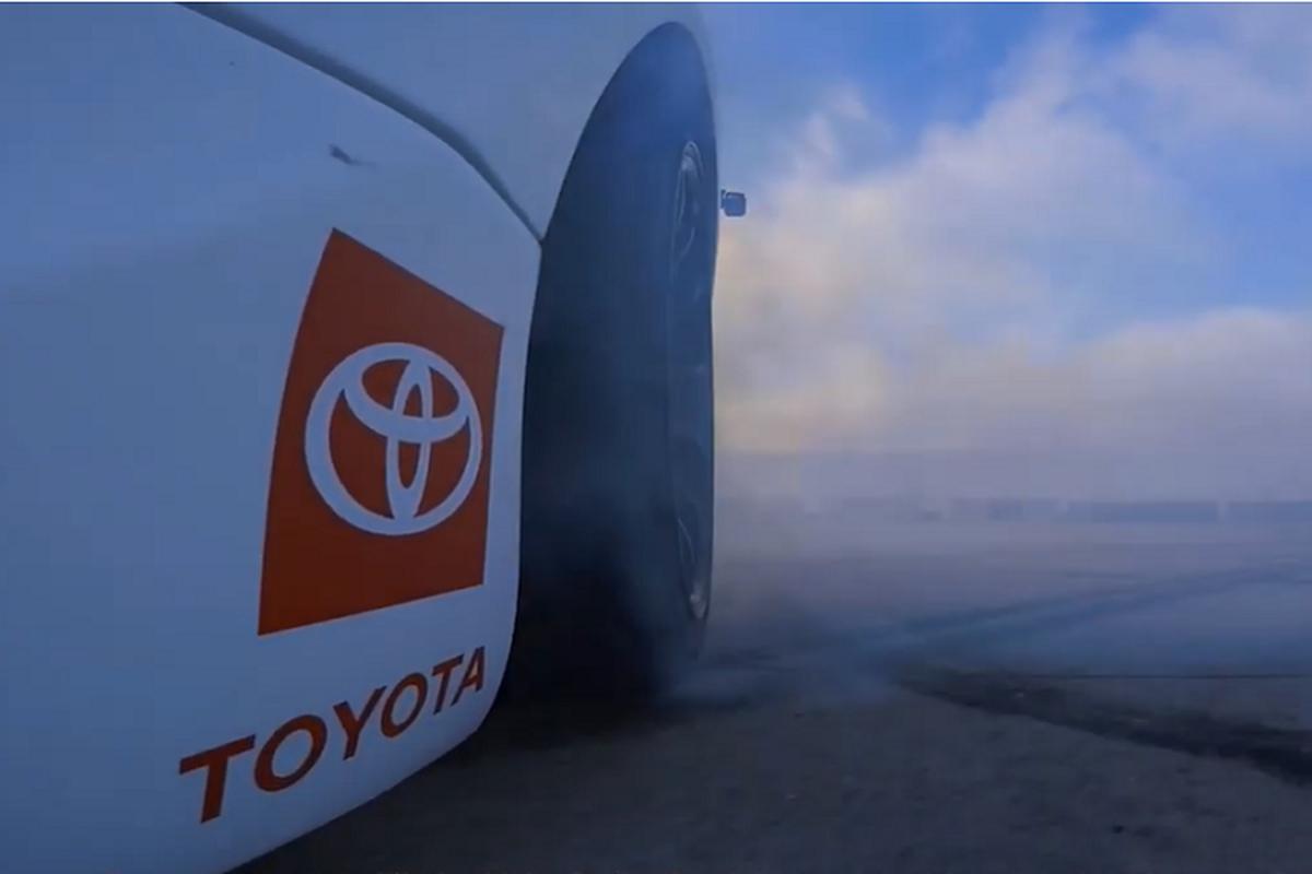 "Toyota GR Supra, xe the thao ""drift tu dong"" o toc do cao-Hinh-6"
