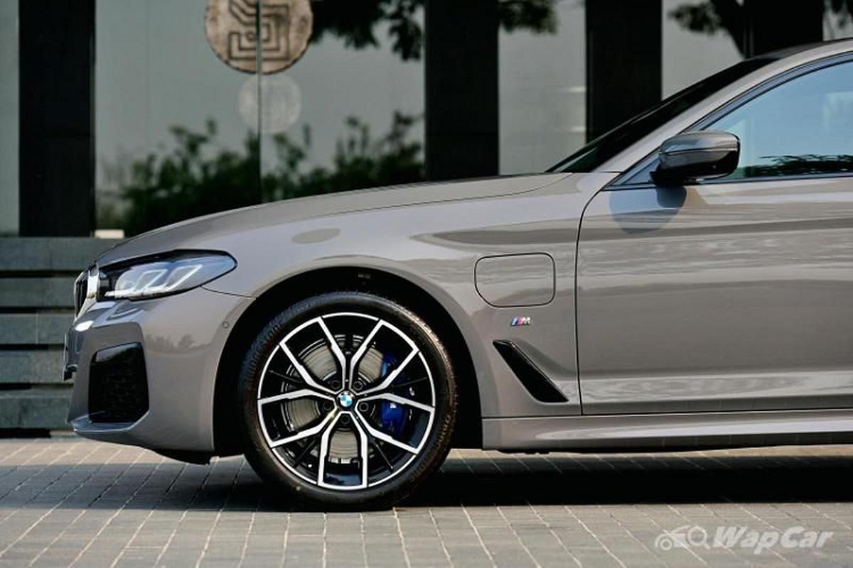 Chi tiet BMW 5 Series 2021 lap rap Thai Lan, tu 2,3 ty dong-Hinh-4