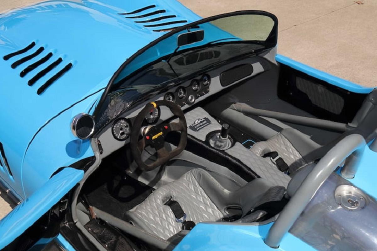 Lucra LC470 Roadster, sieu xe nhanh nhat the gioi chi 100.000 USD-Hinh-4