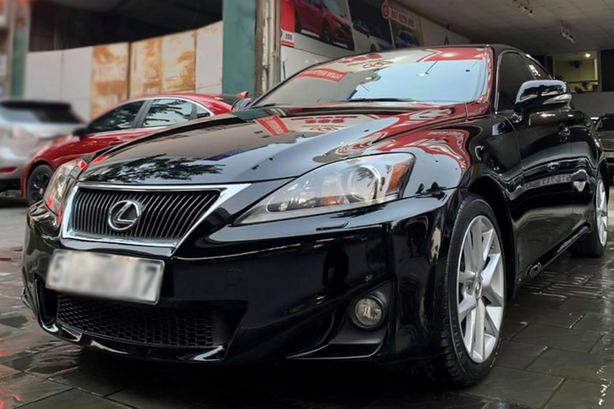Cận cảnh Lexus IS 2010 chạy chán, bán vẫn gần 1 tỷ ở Sài Gòn