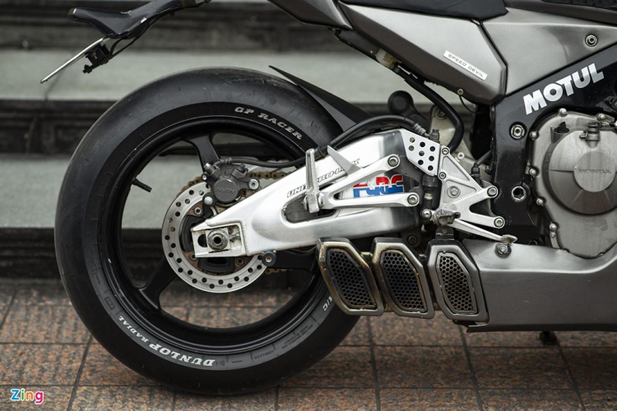 Xem dan choi Ha Noi do Honda CBR600RR phong cach streetfighter-Hinh-7