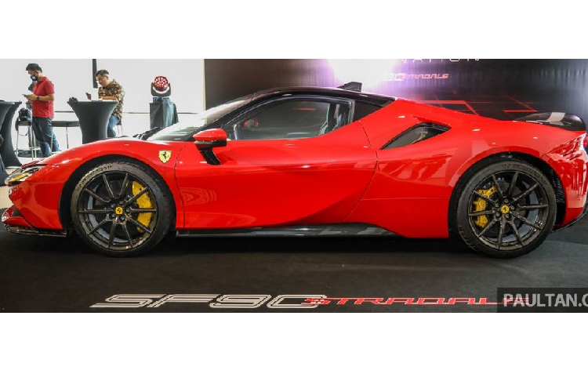 Nu 9x Sai Gon tau bo doi Ferrari SF90 Stradale va McLaren 765LT-Hinh-5