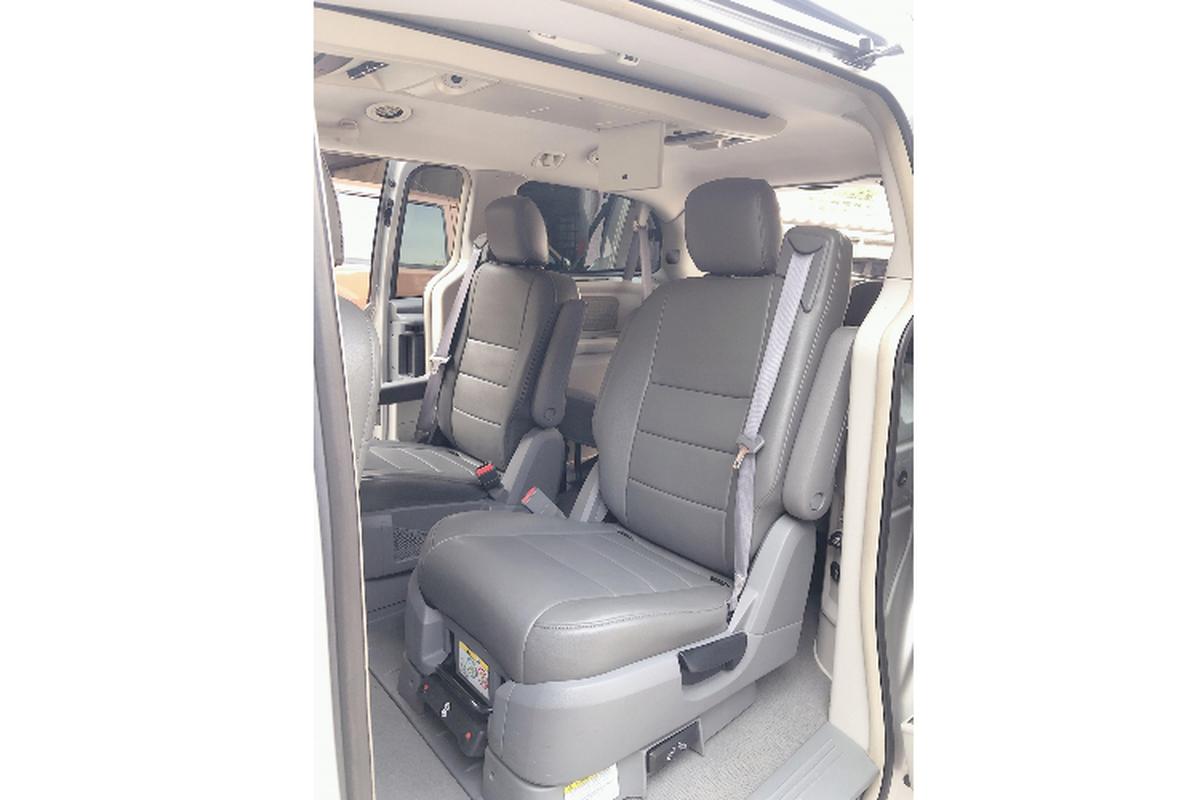 """Cua la"" Dodge Grand Caravan 7 cho, chi 685 trieu o Sai Gon-Hinh-5"