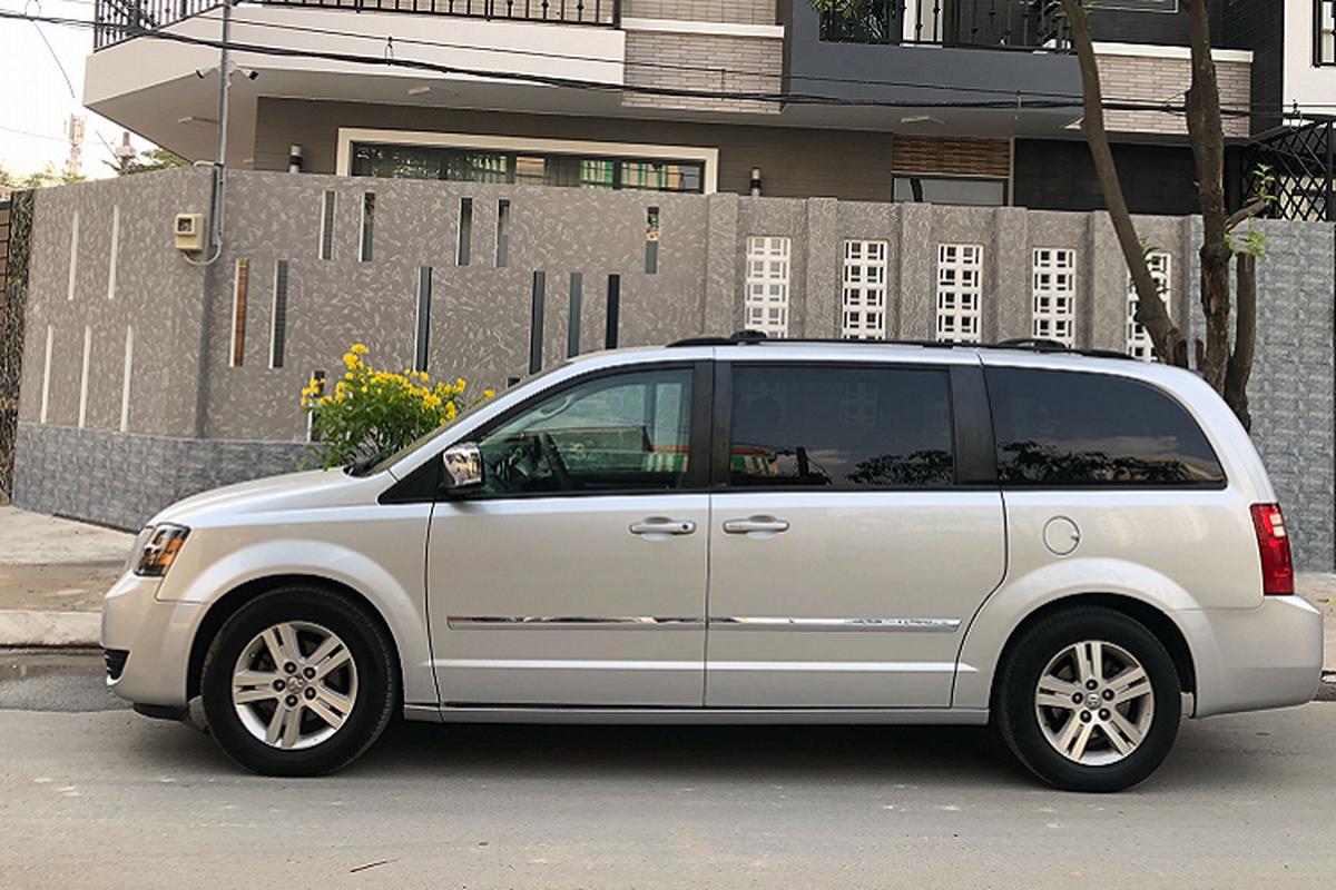 """Cua la"" Dodge Grand Caravan 7 cho, chi 685 trieu o Sai Gon-Hinh-9"