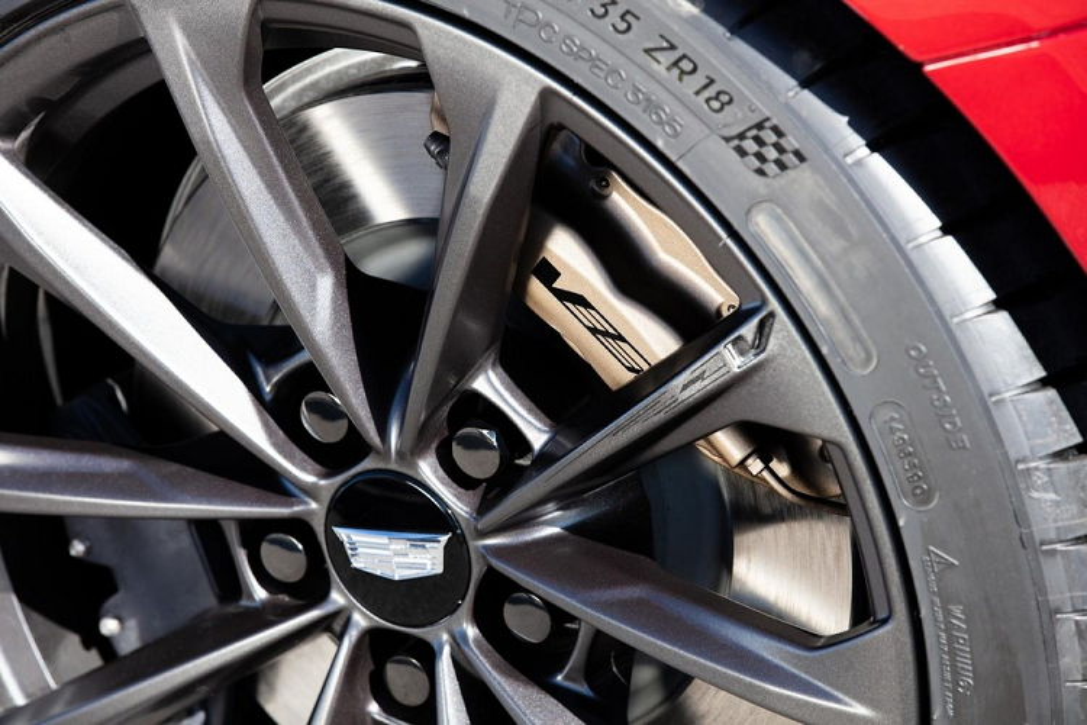 Chi tiet Cadillac CT4-V Blackwing 2022 tu 59.990 USD tai My-Hinh-5