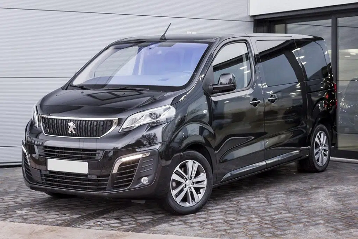 Ra mat Peugeot Traveller 2021 chay dien, ban ra tu 67.609 USD-Hinh-6