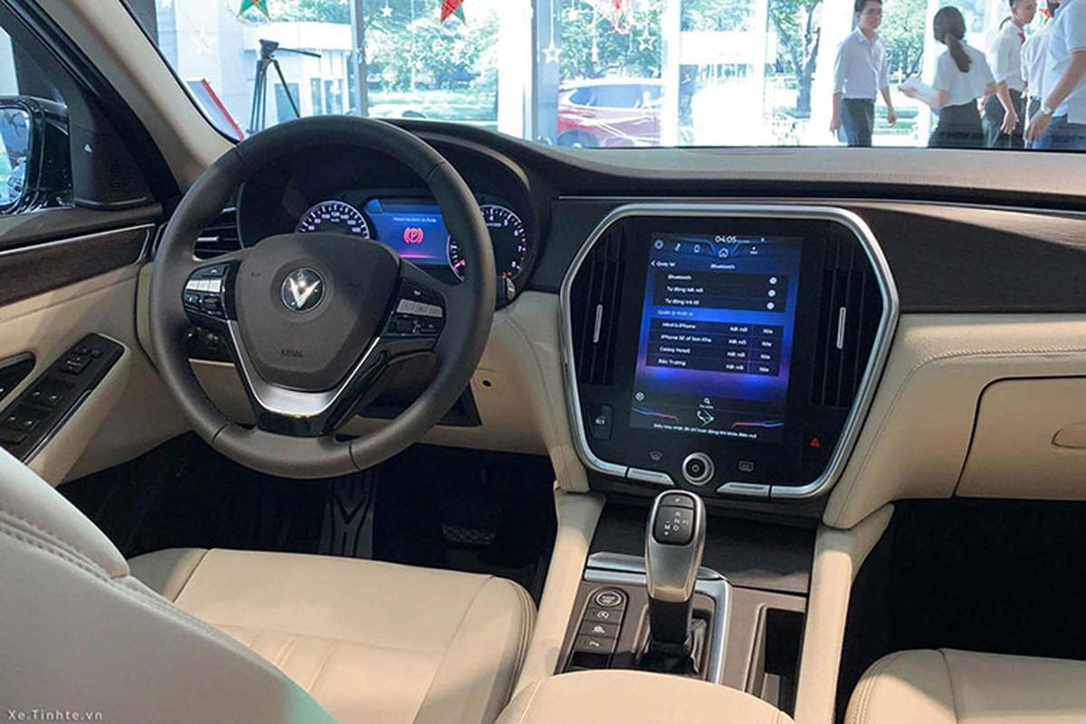 Hau ve Xuan Manh tau xe VinFast Lux A2.0 hon 1 ty dong-Hinh-3