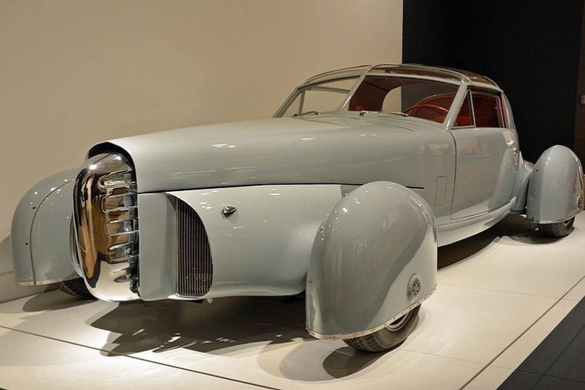 Tasco Prototype 1948 doc nhat, lay cam hung thiet ke tu may bay