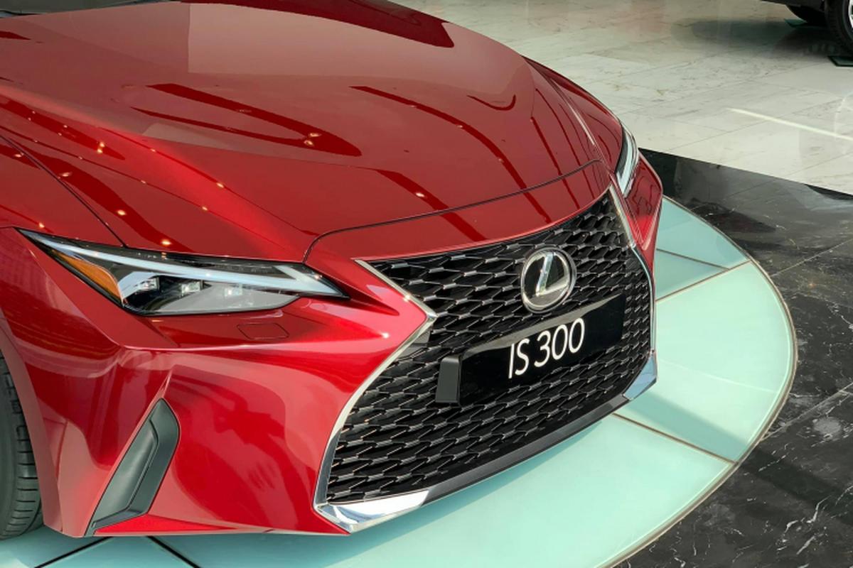 Lexus IS 2021 hon 2 ty ve dai ly can Tet, dat nhung hut khach-Hinh-3