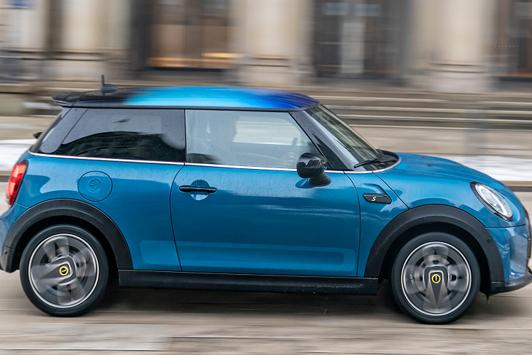 Detail MINI Cooper SE Electric Collection 2021 king mat-Hinh-3