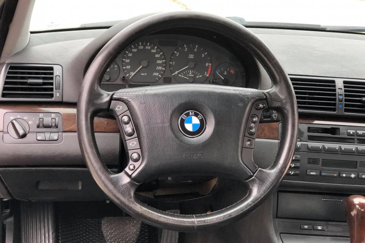 """BMW 318i cu gan 200 trieu tai Ha Noi, """"ho voi"""" ai dam nhay?-Hinh-5"""