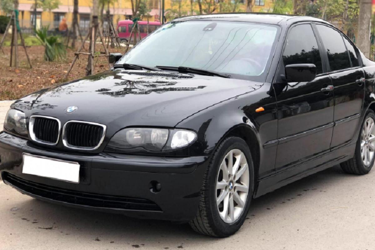 """BMW 318i cu gan 200 trieu tai Ha Noi, """"ho voi"""" ai dam nhay?"""