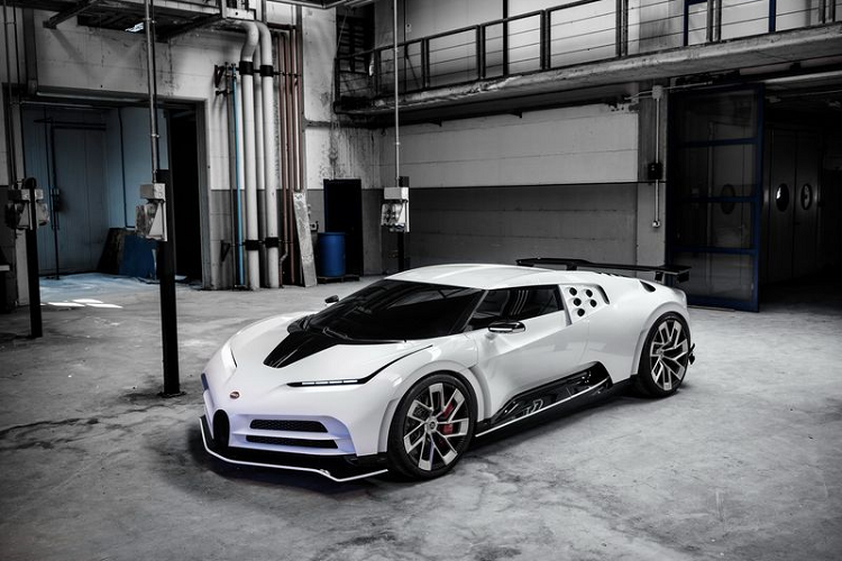 Bugatti Centodieci hon 215 ty dong sap ban giao cho Ronaldo-Hinh-4