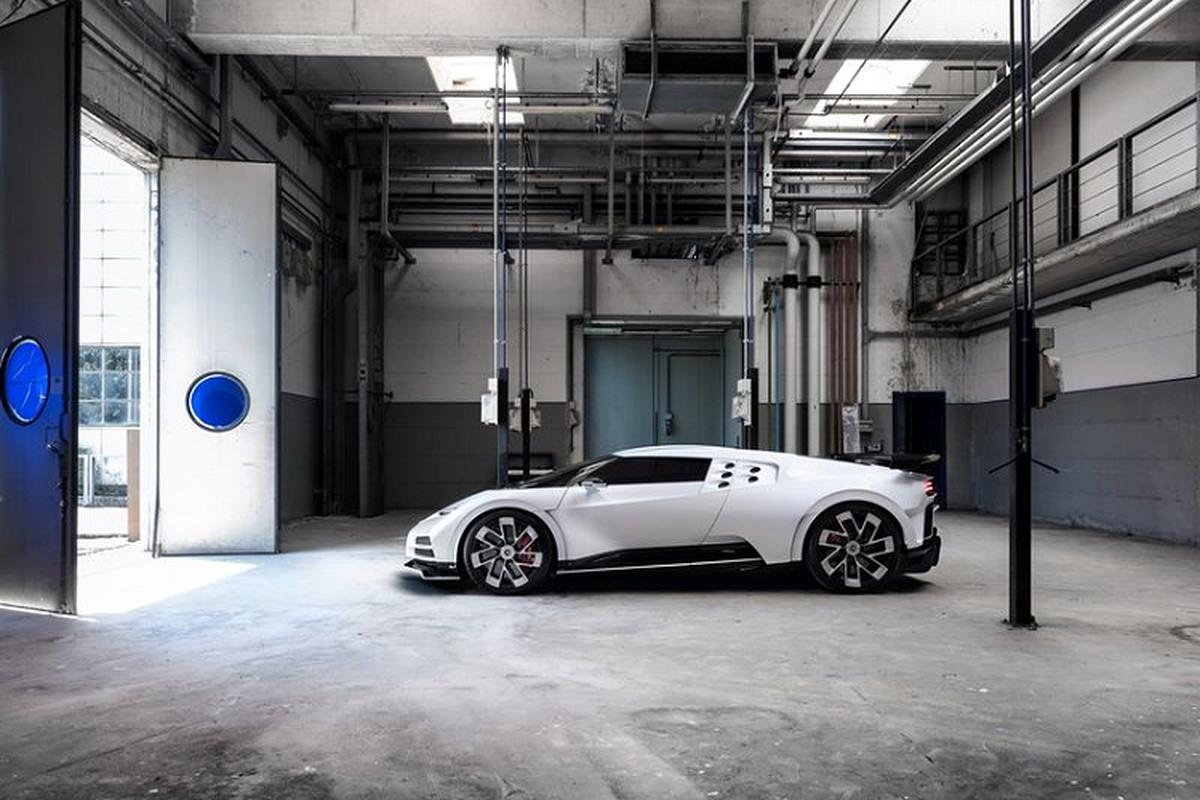 Bugatti Centodieci hon 215 ty dong sap ban giao cho Ronaldo-Hinh-6